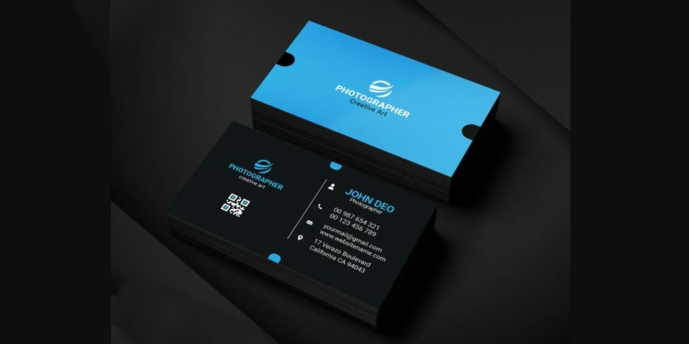 Free Modern Graphic Designer Business Card