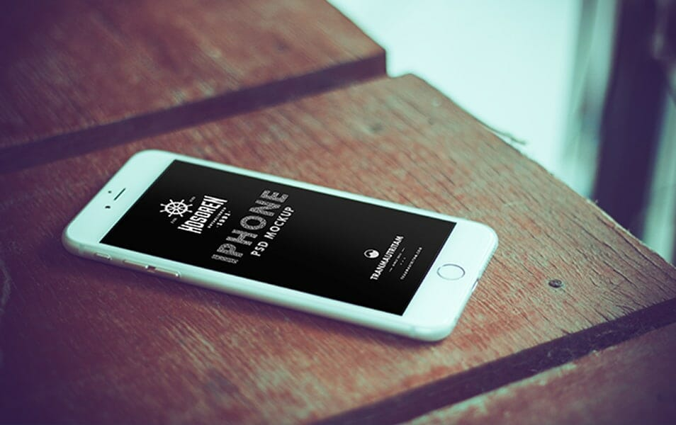 10 Photorealistic iPhone 6 Mockups