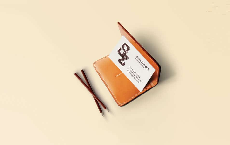 Vintage/Retro Business Card Mockup PSD
