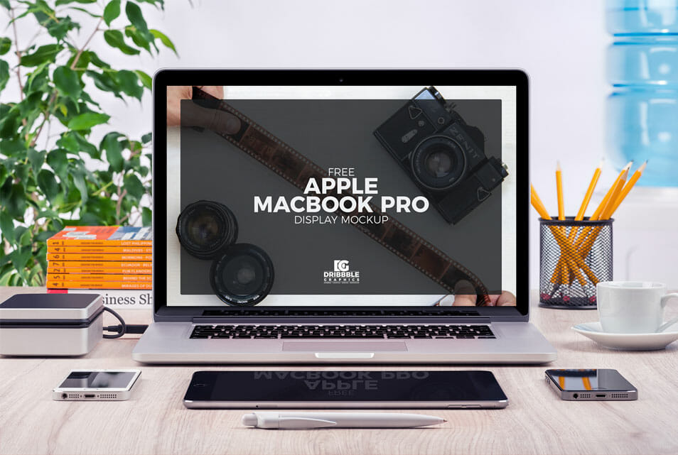 Free Apple MacBook Pro Display Mock-up PSD