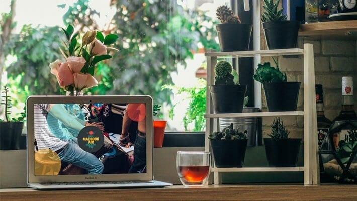 Free Beautiful MacBook Air Mock-up PSD